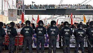 Hooligans Polizei