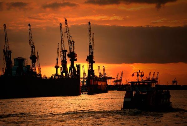 Hafen in der Dammerung